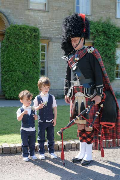 Hire a bagpiper for your wedding in Somerset